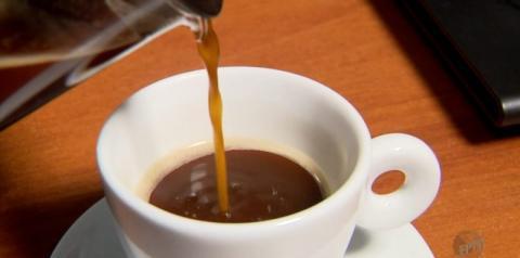 Beber café pode diminuir o risco de Covid-19, diz recente estudo americano