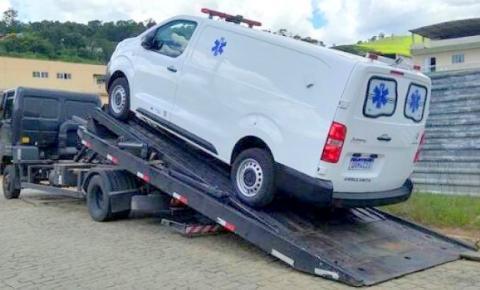 Prefeitura de Dores do Rio Preto adquire nova ambulância