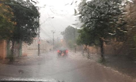 Caparaó Capixaba tem alerta para tempestade e chuva forte