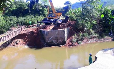 Dores começa a reconstruir pontes danificadas pelas enchentes