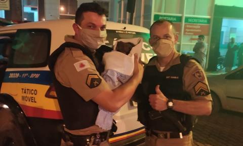 PM localiza recém-nascida que foi retirada da mãe na maternidade do hospital