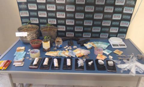 PM de Carangola prende 12 por tráfico e apreende grande quantidade de drogas