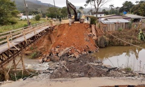 DER-ES inicia reconstrução de ponte em Dores do Rio Preto que faz divisa com Espera Feliz