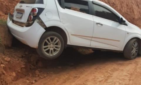 Homem é detido pela PM após roubar veículo em Dores do Rio Preto