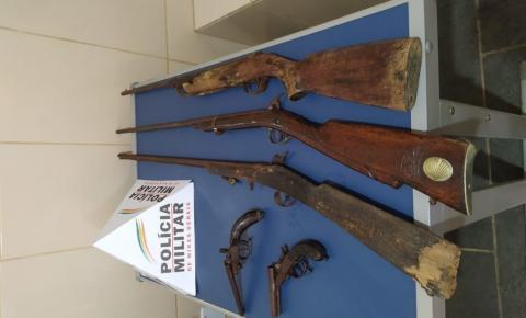 PM prende homem com 05 armas de fogo na divisa entre Carangola, Fervedouro e Divino
