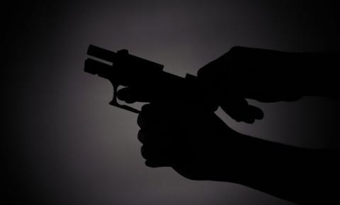 Homem é assassinado a tiros em Manhumirim