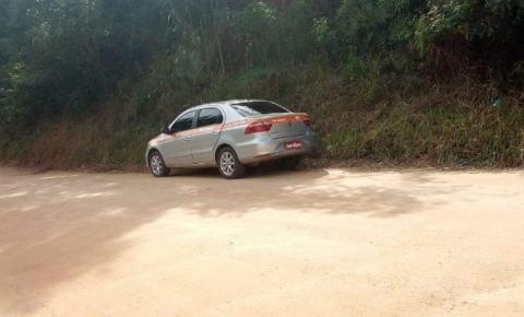 Taxista é roubado em Manhuaçu e veículo é abandonado em Caparaó