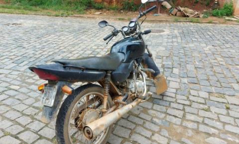 PM de Carangola recupera moto furtada em Manhuaçu
