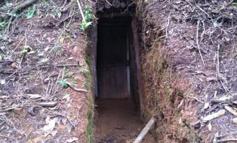 Polícia Ambiental flagra mineração ilegal em floresta próximo ao Parque Nacional do Caparaó.