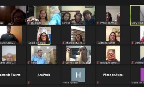 Rotary Clube de Espera Feliz empossa novos companheiros em reunião online