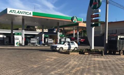 Polícia prende dois homens acusados de assaltar posto de gasolina em Guaçuí