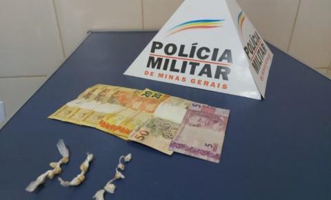 PM de Carangola prende homem por tráfico de drogas em ponto de ônibus