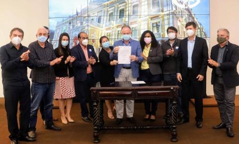 Governo do ES assina termo de construção e reformas dos CRAs e CREAs