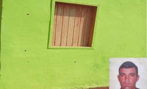 Homem de 38 anos é morto a tiros na porta de casa; polícia investiga crime de latrocínio