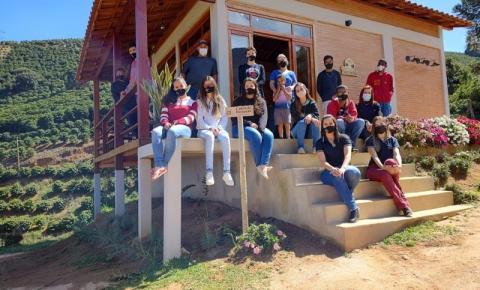Disciplina eletiva desperta o interesse por turismo em estudantes de Dores do Rio Preto