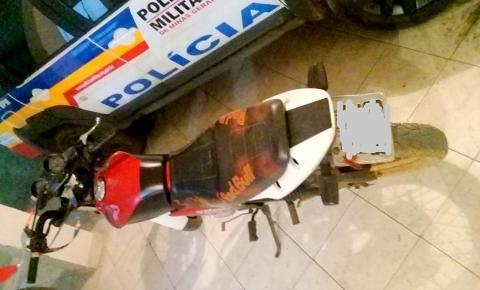 Homem faz manobras perigosas com moto e acaba preso em Caparaó