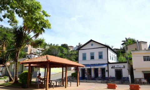 Homem é assassinado após tentar evitar agressão contra vizinha em Dores do Rio Preto